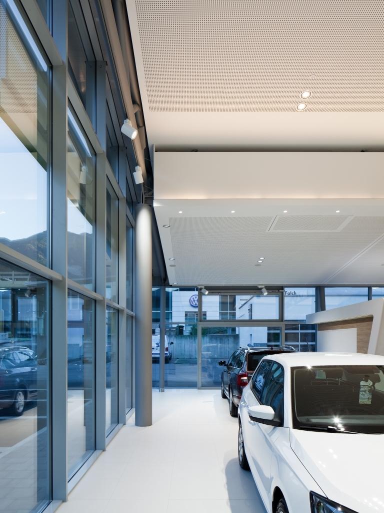 Autohaus Falch Glaswand